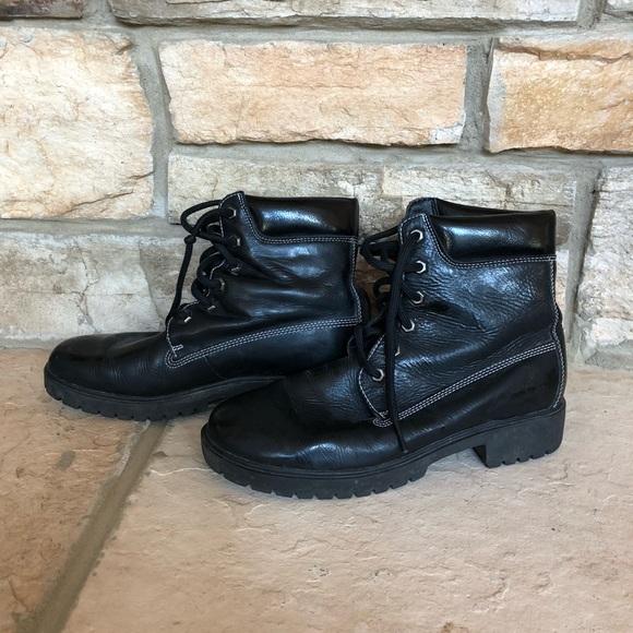 45800a1178b Timberland Shoes | Euc Black Patent Short Boots | Poshmark